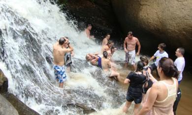 Trilha com Cachoeira 4